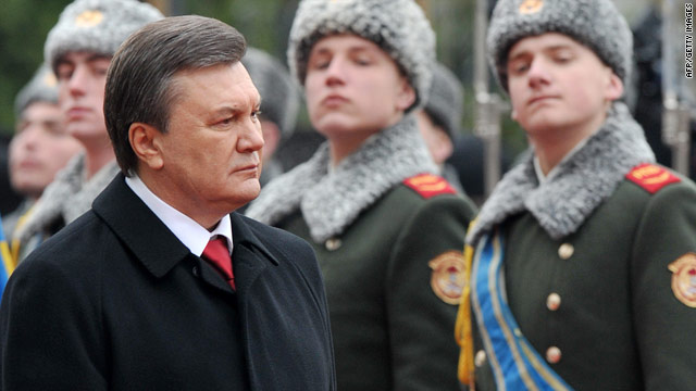 Yanukovich Sworn In